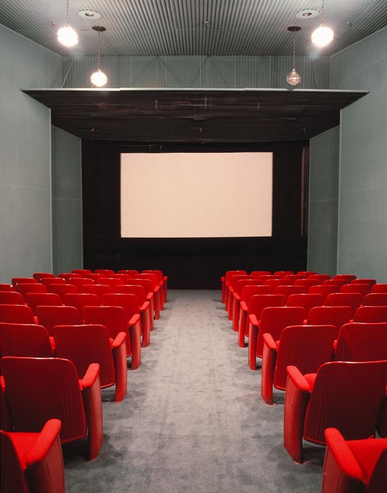01silvercup-movie-theater2x